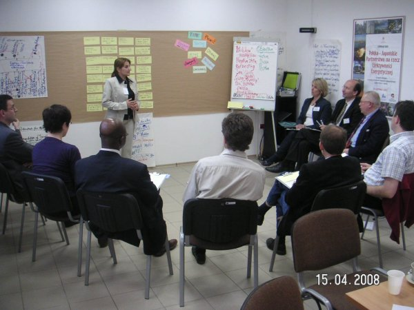 Training FACILITATORS of a REVIEW workshop